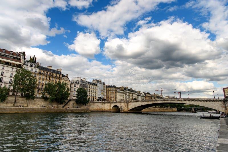 Paris och Seine flod fotografering för bildbyråer