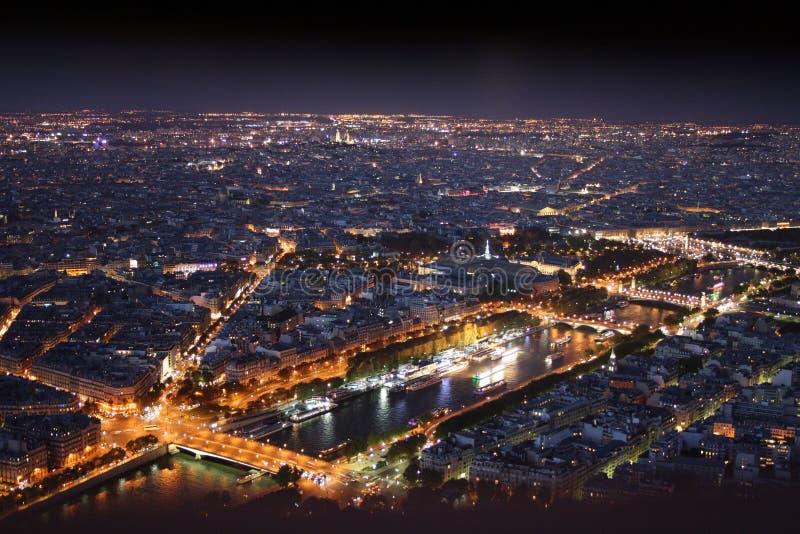 Paris p? natten royaltyfri foto