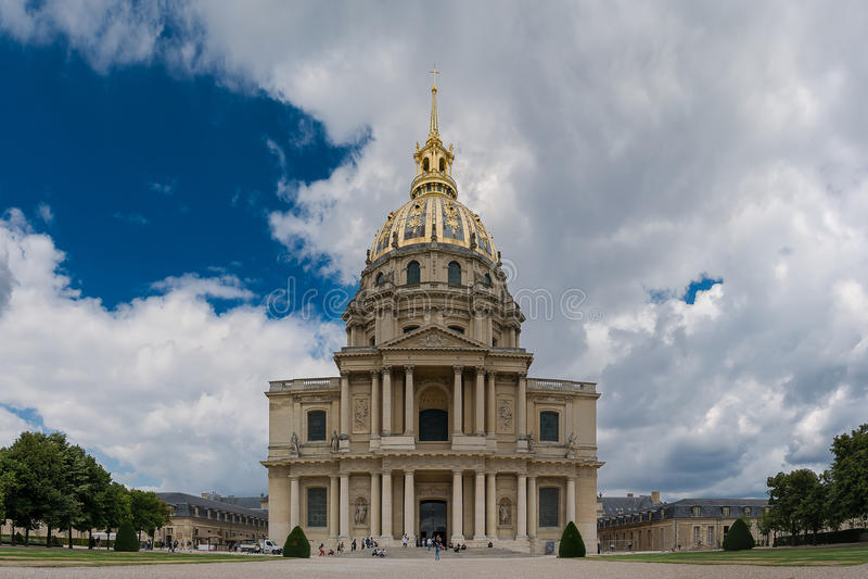 Paris - panoramautsikt av Les Invalides arkivfoton