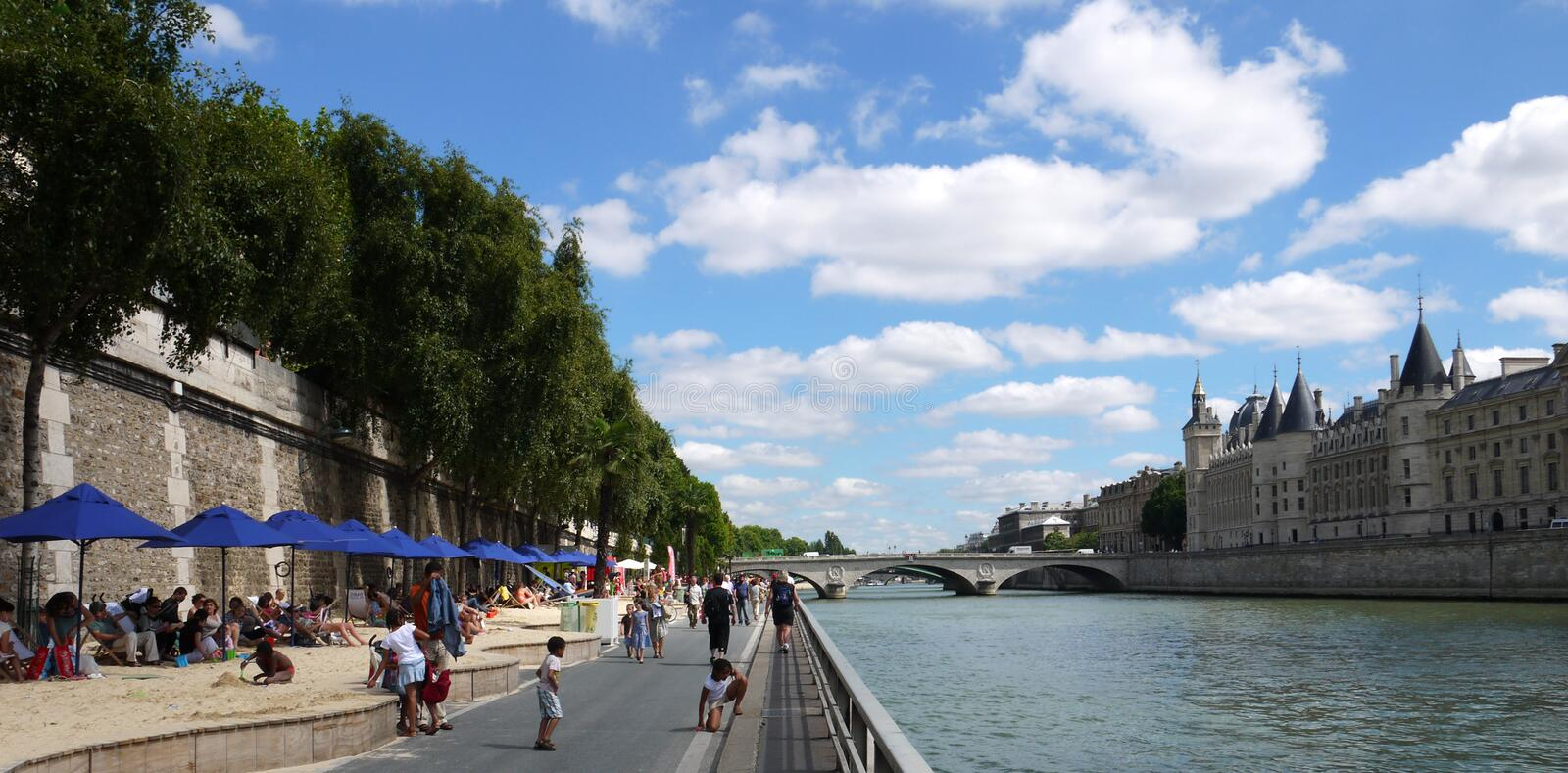 Download Paris Plages editorial photo. Image of sunny, landmark - 42368571