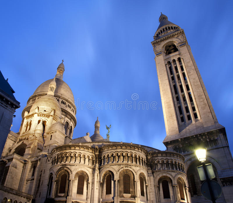 Paris - Sacre-couer en soirée images libres de droits