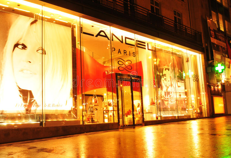 paris shopping royaltyfri fotografi