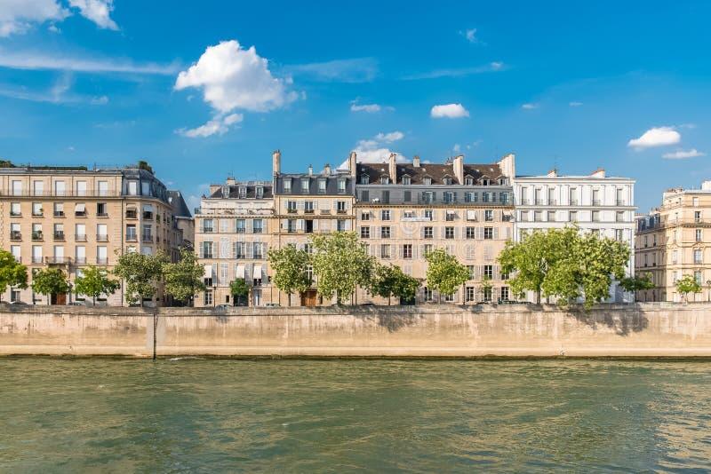 Paris sikt av ile St Louis arkivbild