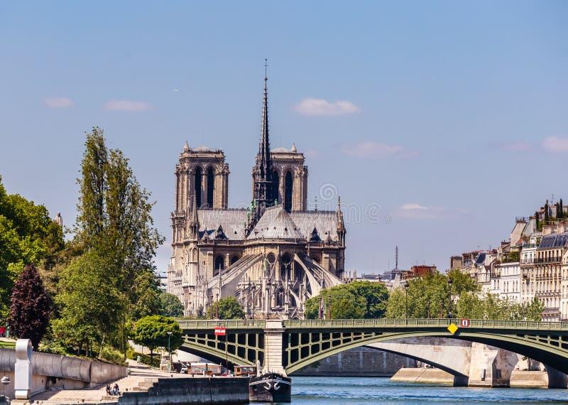 paris Sikt av Seinen, ile de la Citera, med den Notre-Dame domkyrkan arkivbild