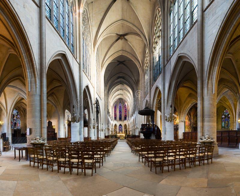 Paris - St Germain l& x27; Auxerrois kyrka arkivfoto