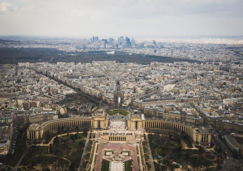 Paris stad från det Eiffell tornet royaltyfri foto