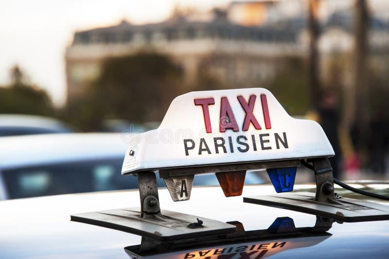 Paris - taxa arkivfoto