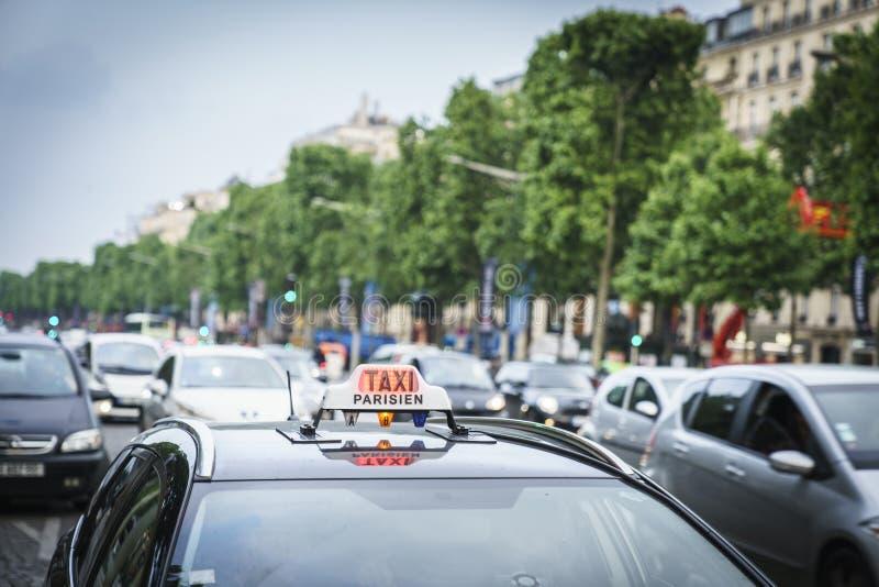 Paris-Taxi lizenzfreie stockbilder