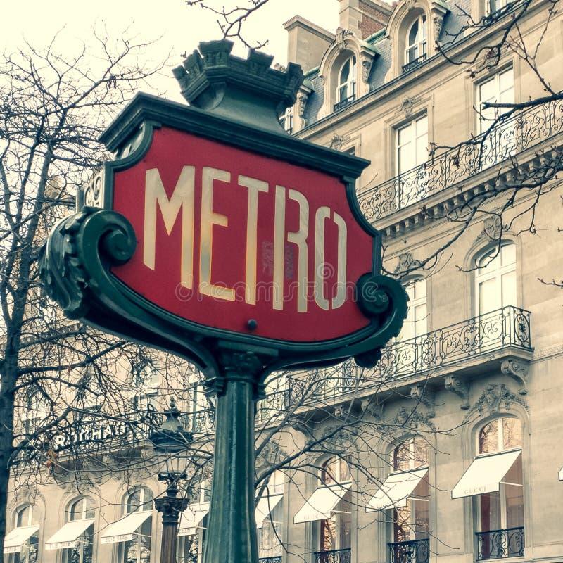 Paris tunnelbanatecken royaltyfria foton
