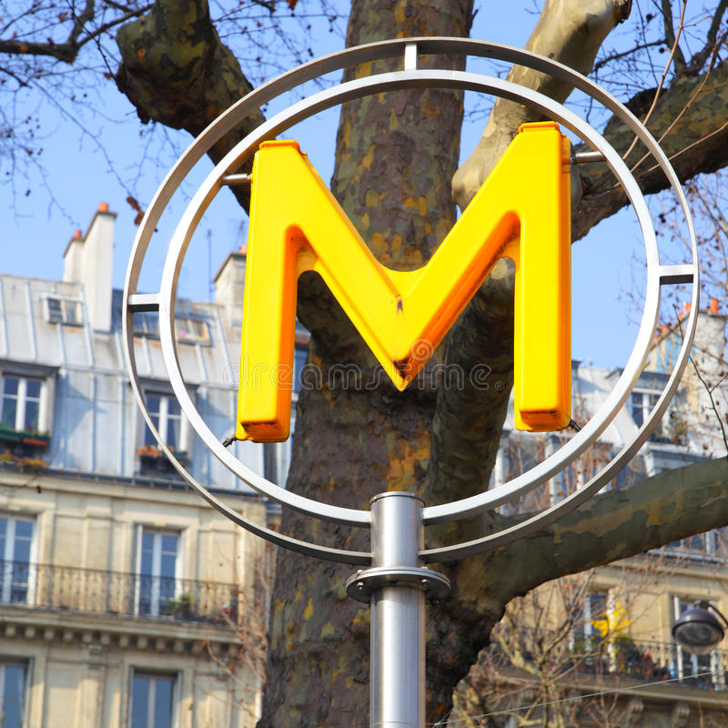 Paris tunnelbanatecken royaltyfri foto