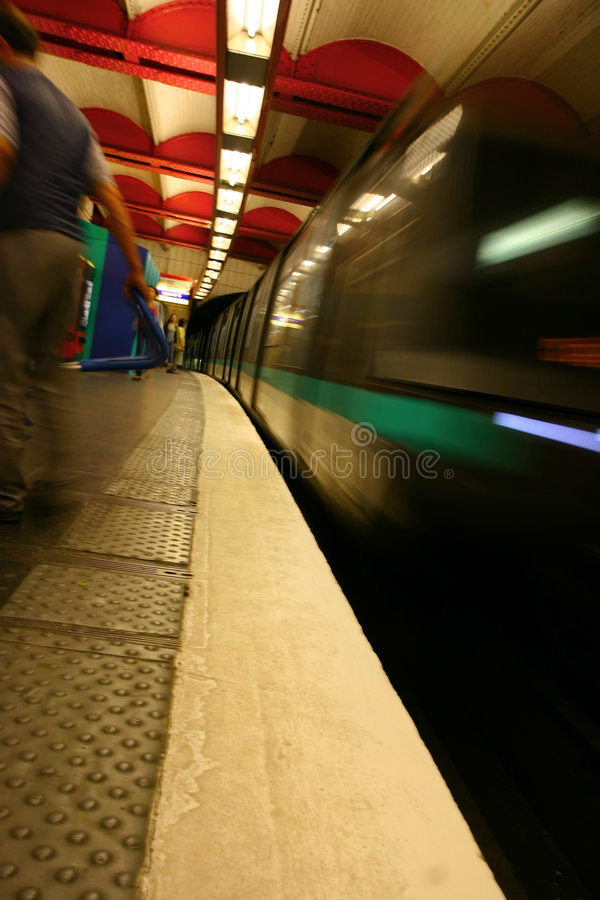Paris-Untergrundbahn - Bewegungszittern lizenzfreies stockfoto