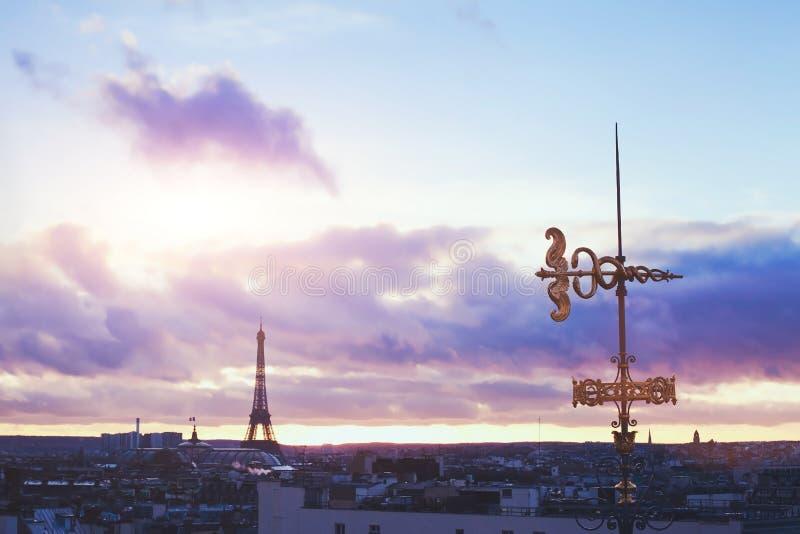 Pariser Dachspitzen stockfoto