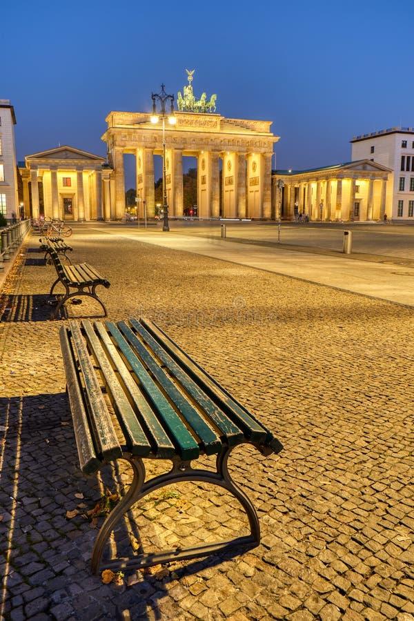 Pariser Platz in Berlijn bij dageraad stock afbeelding