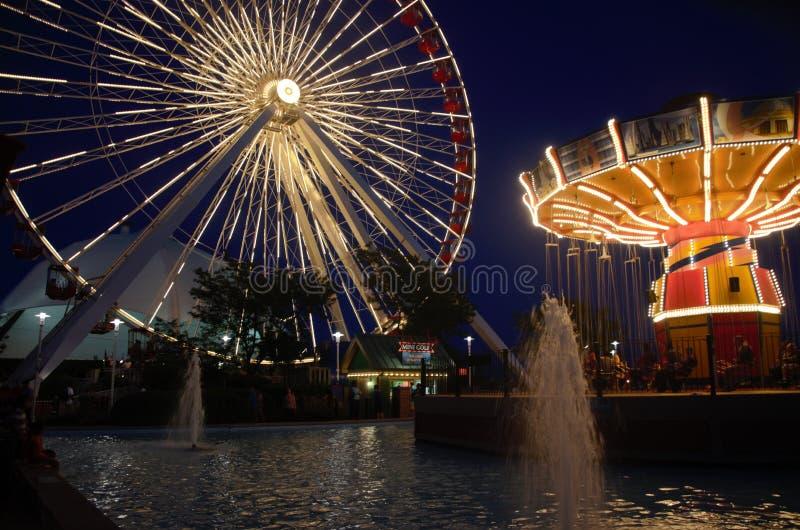 Pariserhjul på natten royaltyfria foton