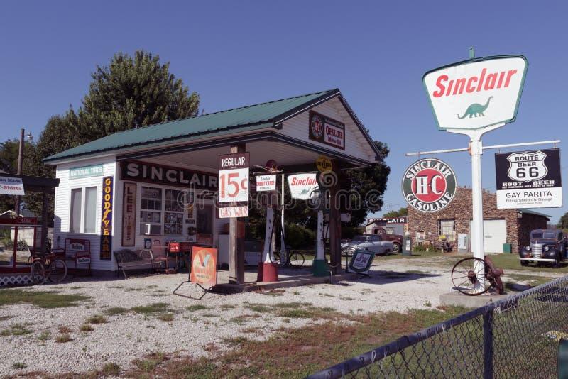 Parita gai Sinclair Gas Station images libres de droits