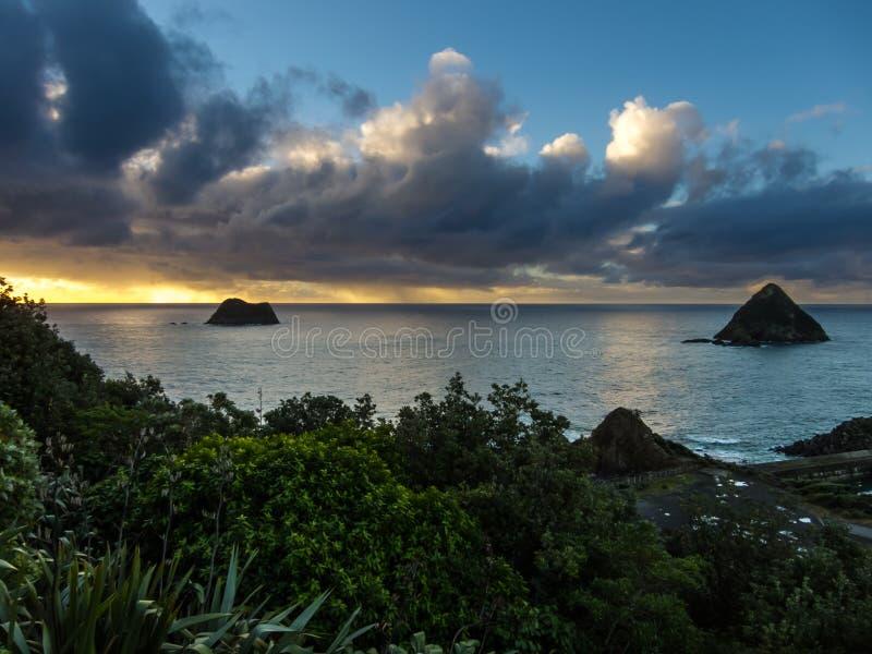 从Paritutu岩石的日落 免版税库存照片