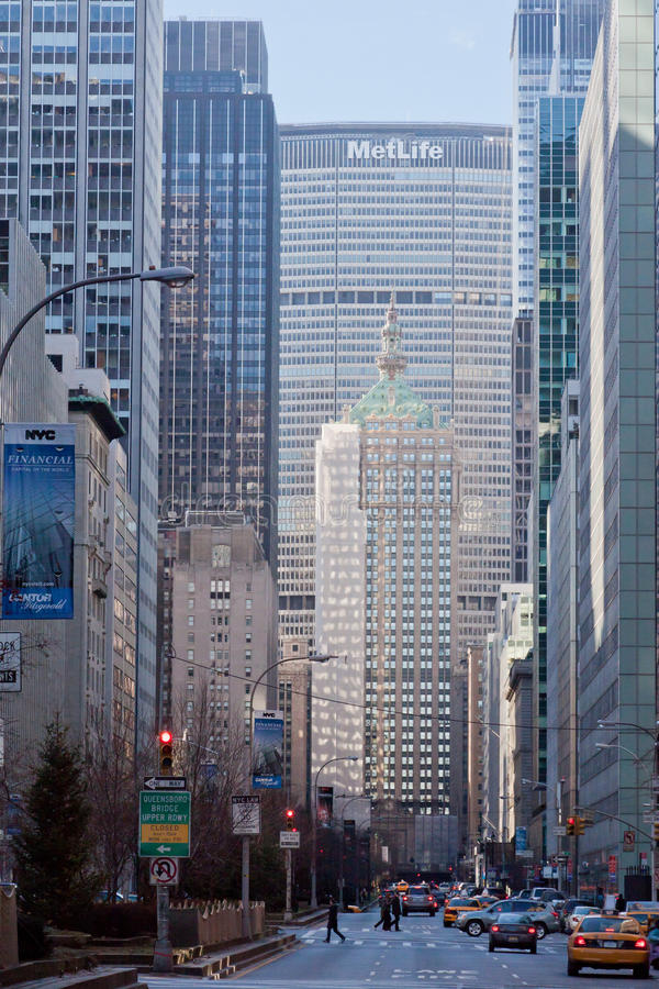 Download Park Central Avenue And Metlife Building New York Editorial Stock Image - Image: 20697434