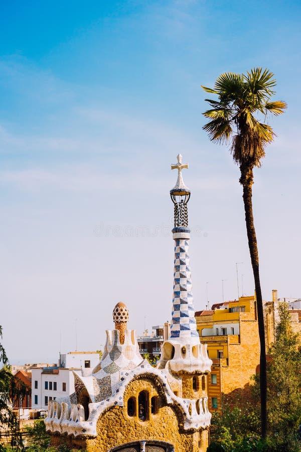 Park Guel, Barcelona, Spanien Berühmtes Beispiel einzigartigen Mosaikarchitektur Gebäudes Tourist der meiste Besuchsstandort stockfotografie