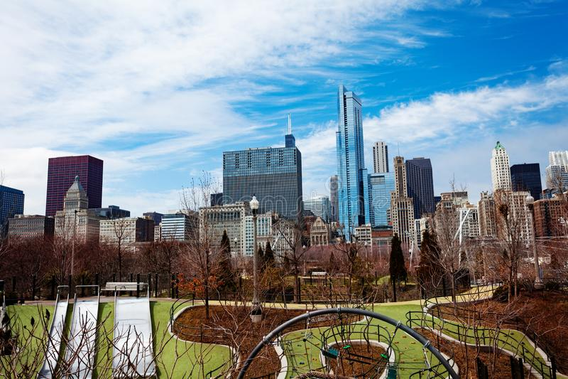 Park in horizon de van de binnenstad van Chicago en van de stad stock foto's