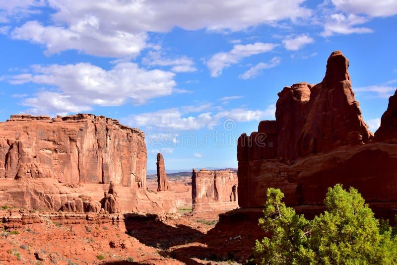 Park Place arqueia dentro o parque nacional foto de stock royalty free