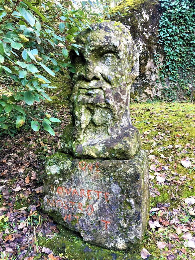 Park potwory, Święty gaj, ogród Bomarzo Pier Francesco Orsini i jego statuy fotografia royalty free