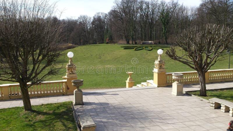 Park przy kasztelem zdjęcia royalty free
