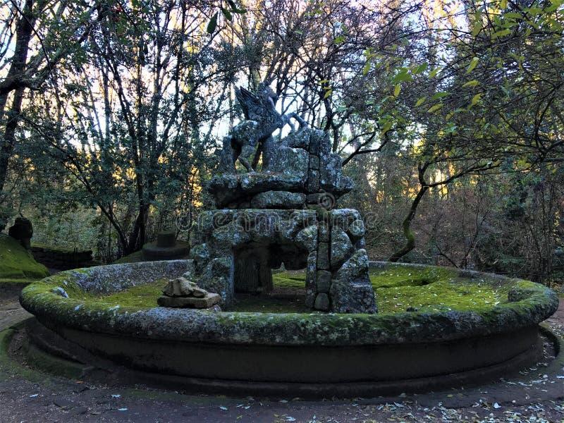 Park van de Monsters, Heilig Bosje, Tuin van Bomarzo Fontein van Pegasus, het gevleugelde paard stock foto's