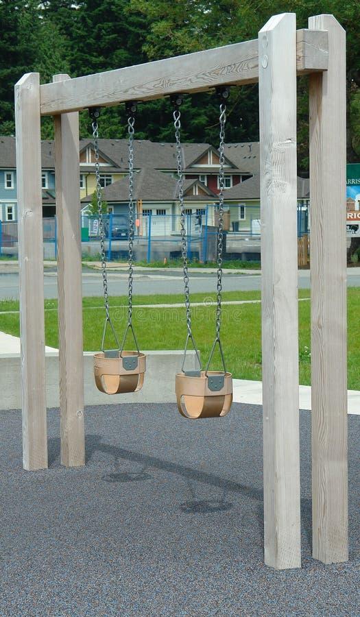 Park van de Schommeling van het kind het Vastgestelde Openlucht royalty-vrije stock afbeelding