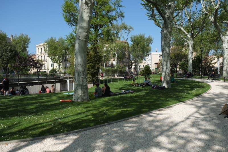 Park w centrum Narbonne, Francja zdjęcia stock