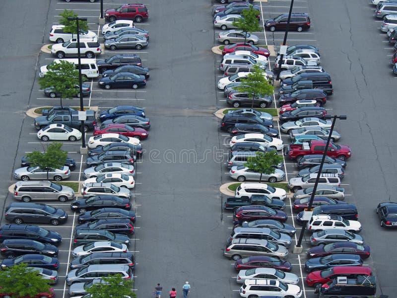 Parkeerterrein hierboven wordt bekeken die van royalty-vrije stock foto's