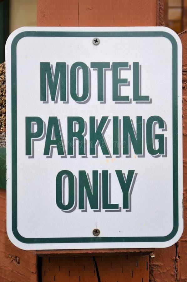 Parkenzeichen für Motel lizenzfreies stockfoto
