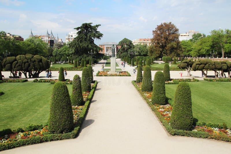 Parkera De El Retiro, Madrid, Spanien royaltyfri foto