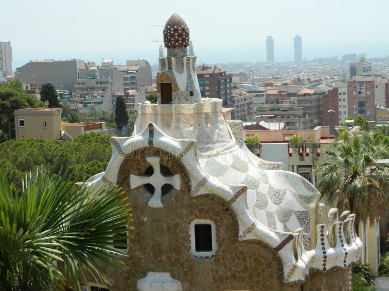 Parkera Guell av arkitekten Antoni Gaudi royaltyfria bilder