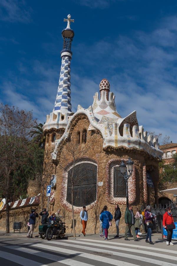 Parkera Guell, sagahuset, turist- gränsmärke i Barcelona royaltyfri foto