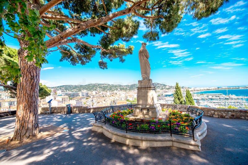 Parkera i den Cannes staden royaltyfria bilder