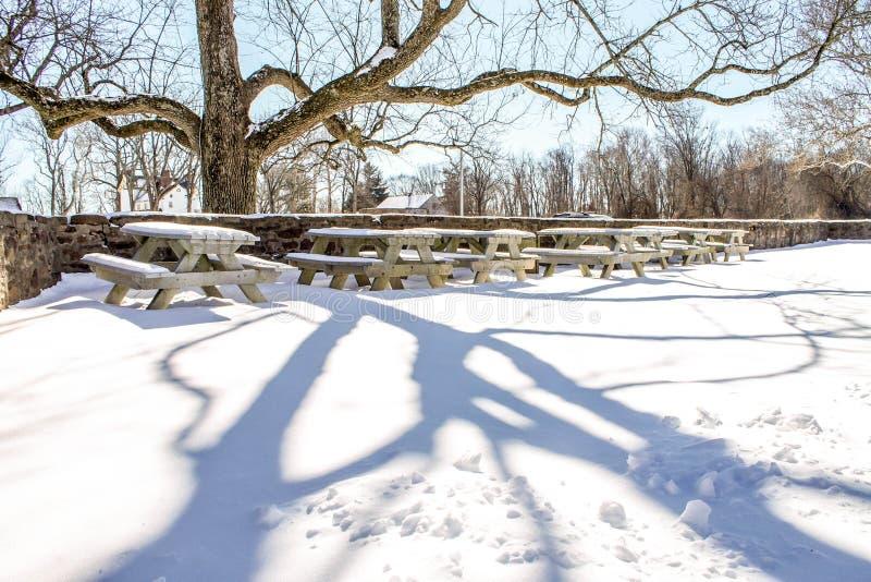 Parkera i vinter arkivbild