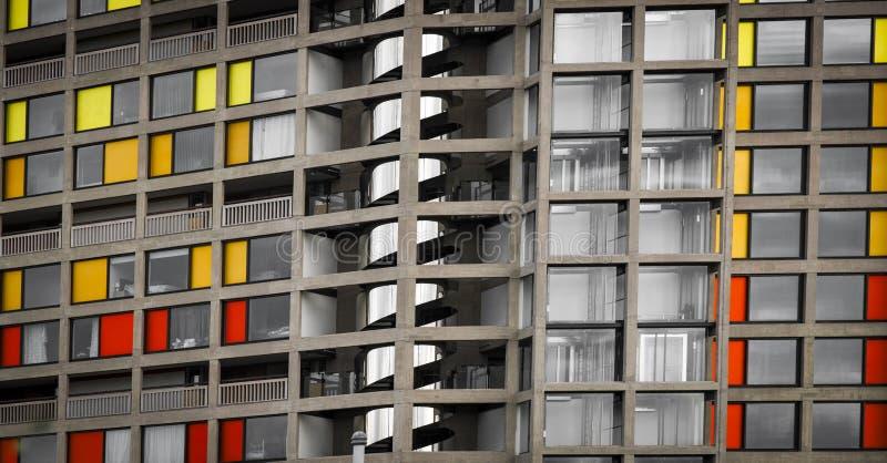 Parkera kullebostadsområdet som regenereras av stads- färgstänk i Sheffield - Sheffield, Förenade kungariket - 13th September 201 arkivbilder