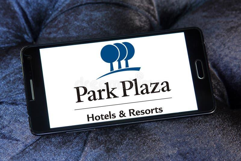 Parkera Plazahotell och tillgriper logo royaltyfri foto