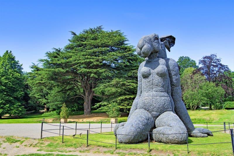 Parkerar den oavkortade solen för kanin, i den Yorkshire skulpturen, västra Bretton, Wakefield fotografering för bildbyråer
