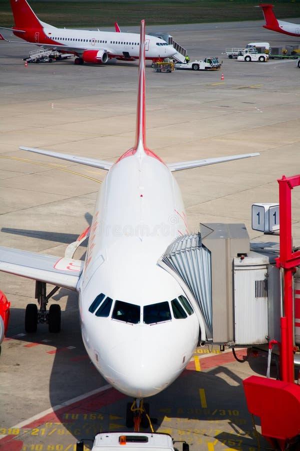 parkerat flygplan arkivbild