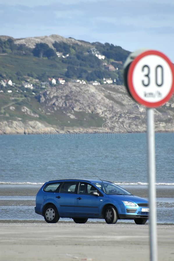 Download Parkeren op het strand stock afbeelding. Afbeelding bestaande uit rust - 296601