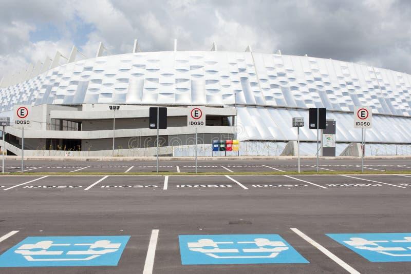 Parkeren voor stadion in Recife stock fotografie