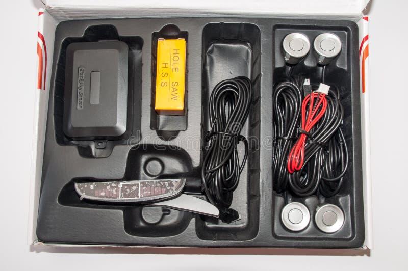 Parkerensensoren in de doos worden geplaatst die royalty-vrije stock foto
