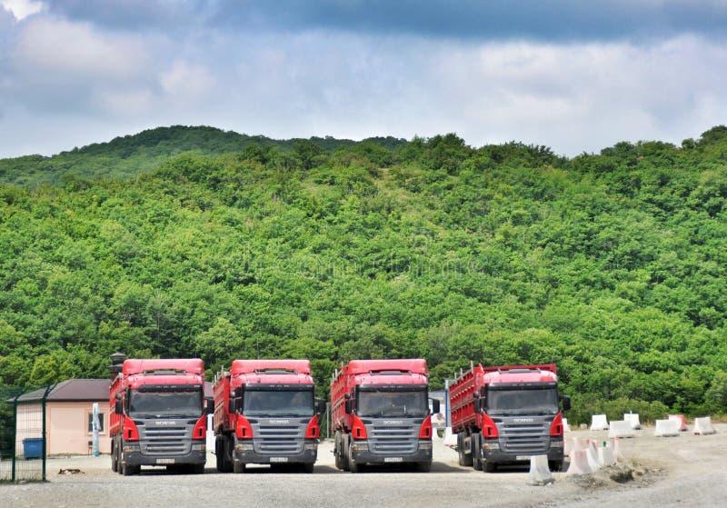 Parkering av lastbilar fotografering för bildbyråer