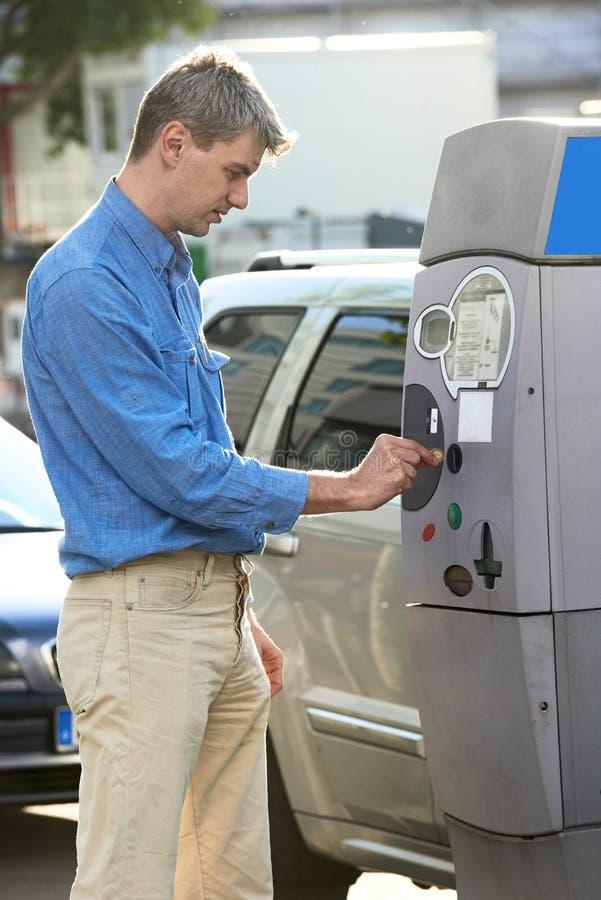 Parkeringsbetalning royaltyfri bild