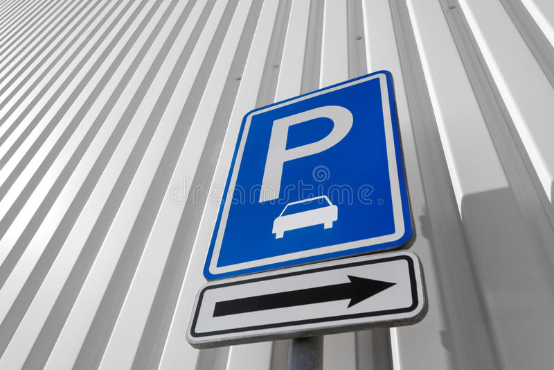 Parkeringstecken royaltyfria bilder