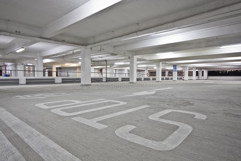 Parkhaus lizenzfreie stockfotografie