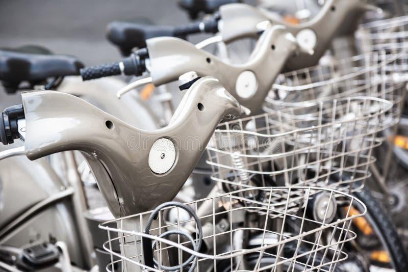 Parking bicykle dla czynszu zdjęcia stock