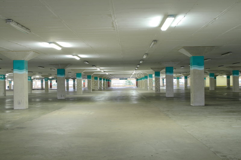 Parking couvert image stock