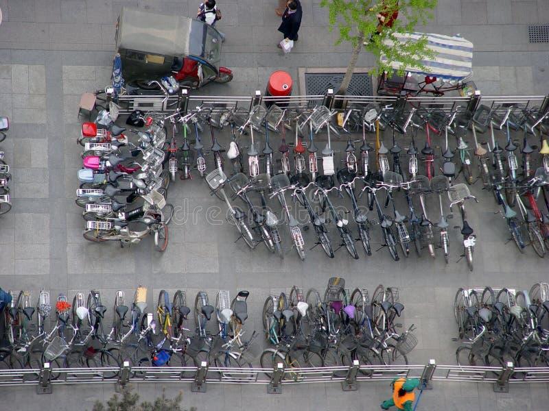Parking de bicyclette photo libre de droits